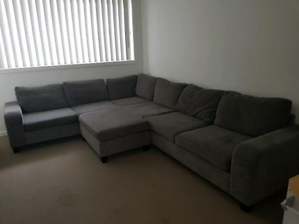 6 seater grey L-shaped lounge/sofa