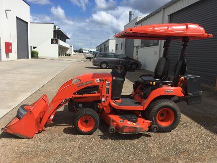 """Kubota BX2660 Tractor Loader & Deck 60"""""""