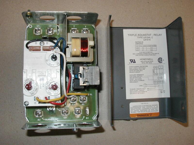 Honeywell L8124A Triple Aquastat High / Low Limit Oil Burner Relay Control