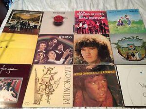 12 disques vinyles de Québécois