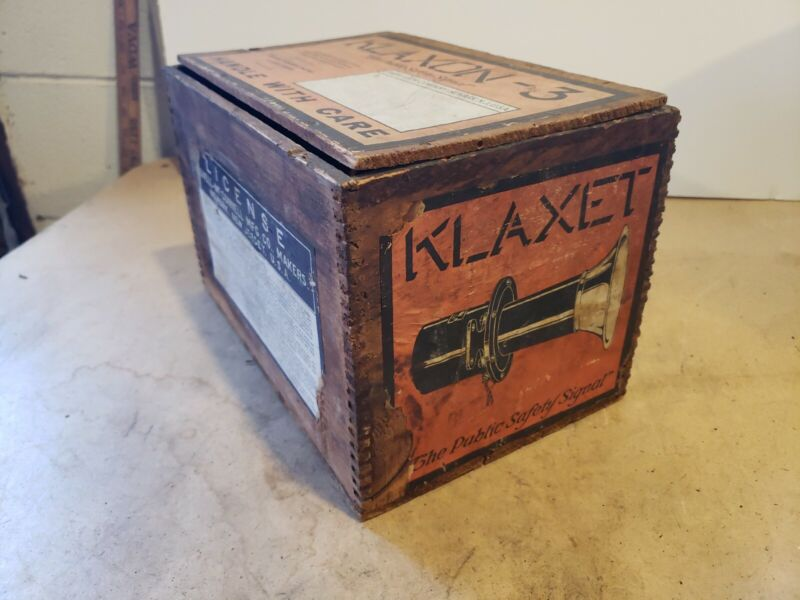 Vintage Klaxon Wooden Shipping Advertising Box ~ Great Graphics ~ Rare Find