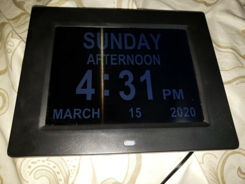 Hammacher Schlemmer 92838 Easy Read Full Disclosure Clock