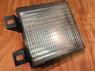 81 TO 87 CHEVY BLAZER SUBURBAN GRILL SIGNAL LIGHT LH USED GM