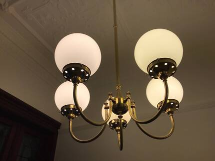 Vintage brass 5 arm chandelier in great condition