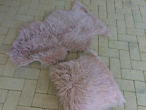 Pink rug and matching cushion Iluka Joondalup Area Preview