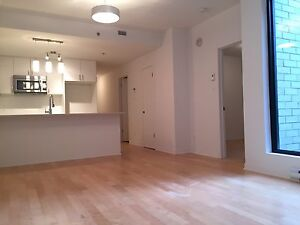 Semi-Furnished Condo Stye - Old Montreal with Prime Location
