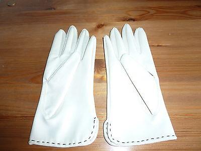 Vintage Vinyl Ladies Gloves Cream Size 7 Unused