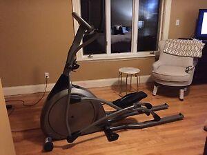 Excellent shape Elliptical Trainer