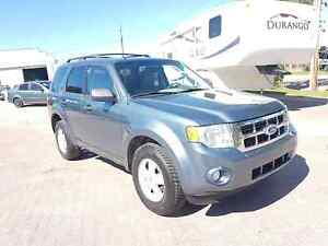 * * 2010 FORD ESCAPE XLT * * 6 MONTH WARRANTY INCLUDED * *