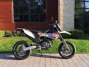 2011 KTM 690 smc *low mileage*
