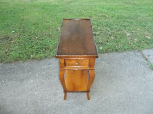 Beautiful Vintage Milling Road Baker Wood Single Drawer End / Side Table Italy