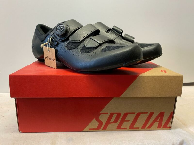 new Specialized AUDAX Road SHOE multiple sizes MSRP $250 BLACK