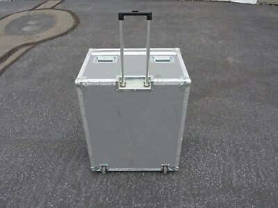 (Large ATA Shipping Case with Pull-Out Handle and Recessed Wheels by Atlas)