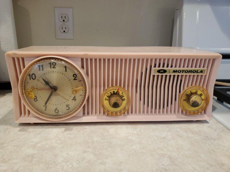 Vintage Pink Motorola 57CS Tube AM Radio w Telechron Clock