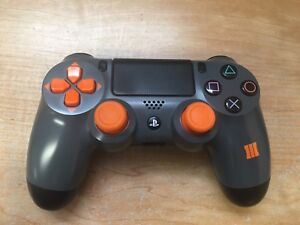 PS4 ***LIMITED EDITION *** Black Ops controller!