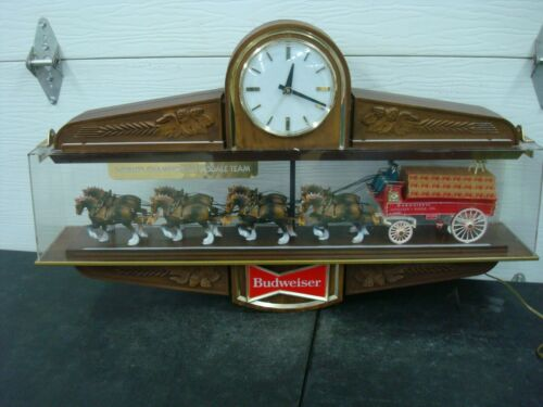 VINTAGE BUDWEISER CLYDESDALE LIGHTED BAR CLOCK SIGN
