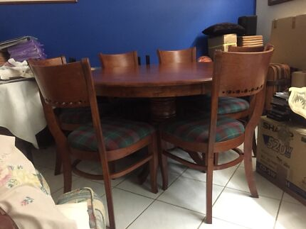 Dining table  Fannie Bay Darwin City Preview