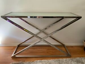 Chrome mirror top table