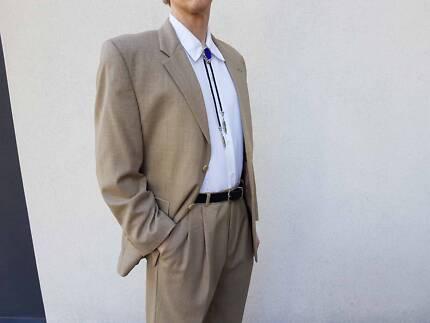 Ralph Lauren men's suit, worn once, size M, paid 600 USD