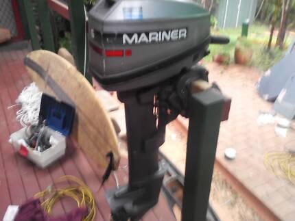 Mariner 6hp long shaft outboard motor needs repair