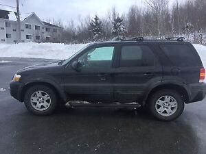 2007 Escape Limited AWD Full tank of gas