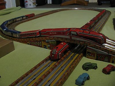EXTREME RARE LARGE ANTIQUE MARX ELECTRIC SPARKLING TOY TRAIN SET, W/ BOX