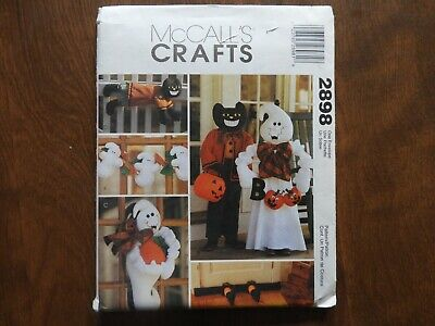 McCall's Crafts # 2898 sewing pattern Halloween decorating,greeters,garland....