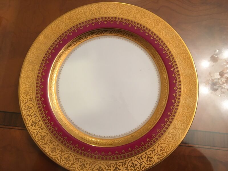 Faberge Imperial Heritage Burgundy dinner plates 10 7/8 in excellent condition