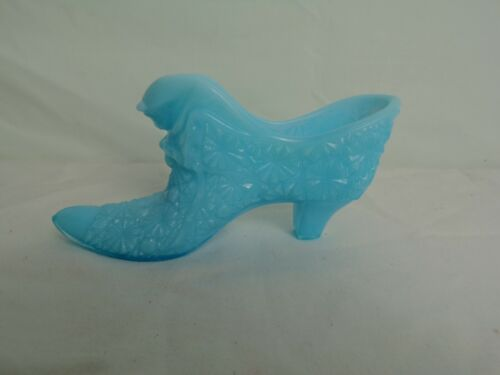 Vtg Blue Milk Glass Slipper with Cat  Daisy and Button design