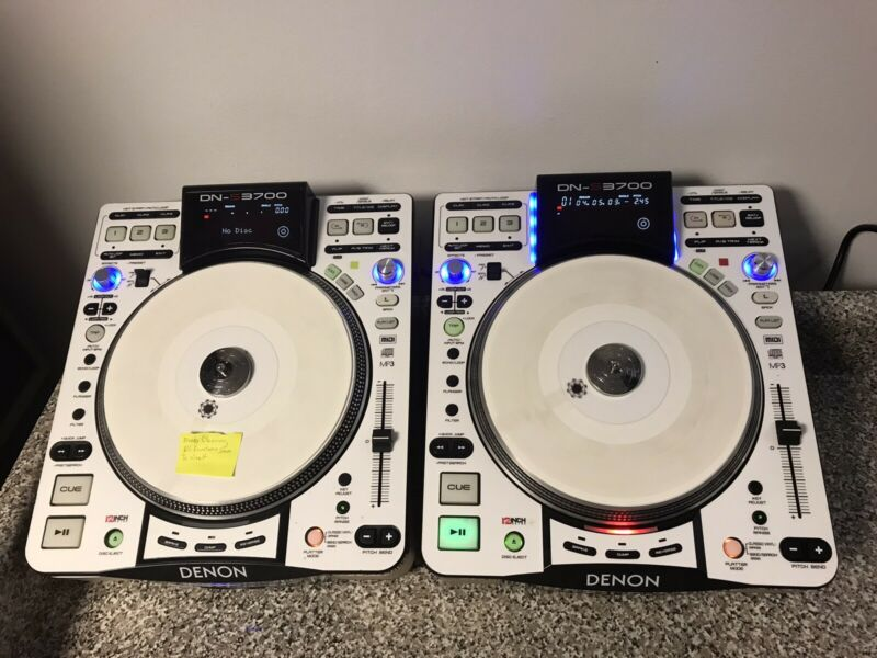 2 Denon DN-S3700 DJ Turntable / CD Player / Media Player / MIDI/HID Controller