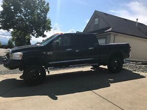 2007 Dodge 3500 Laramie Mega Cab 4x4 Lifted