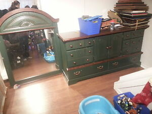 very nice fancy wooden dresser with lots of drawers/lrg mirror
