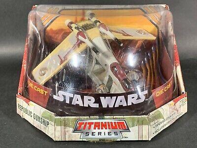 Republic Gunship Star Wars Clones Ultra Titanium Series Die-Cast Hasbro 2005