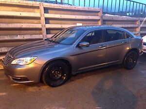 2012 Chrysler 200 lx. Automatic. ONLY 37,000kms
