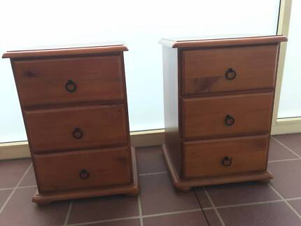 Bedside tables bedside tables gumtree australia inner sydney bedside tables watchthetrailerfo