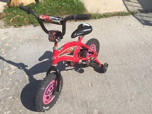 Young Childs First Bike with removable training wheels