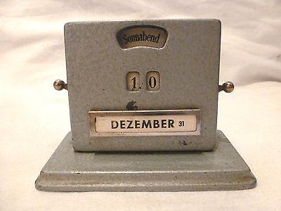 Kalender Ewiger Kalender Art Deco antik Metall mechanisch everlasting calendar