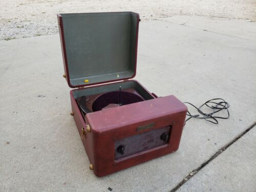 Webster Chicago Model 621-1  Portable Record Player