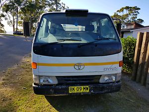 Toyota dyna 1999 dual cab truck flat tray drop side apr 2018 rego Berkeley Vale Wyong Area Preview