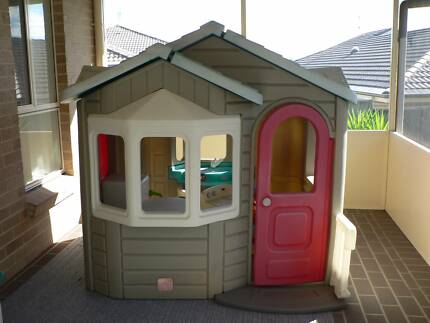 Step 2 cubby house & gourmet kitchen
