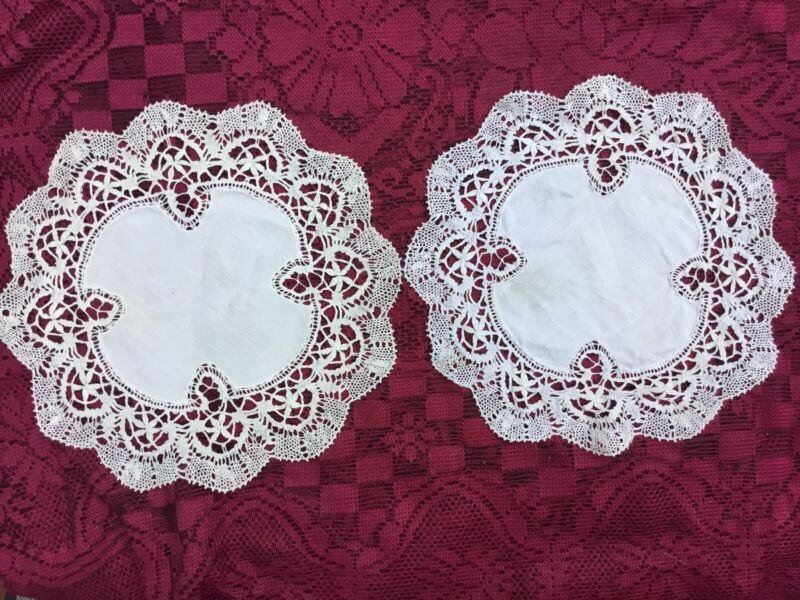 "Set Of 2 Vintage Scalloped Crocheted Round White Doilies Napkins Diameter 11"""