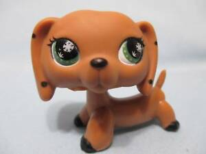 Littlest Pet Shop Brown MONOPOLY DACHSHUND No # Green Eyes Polka Dots Authentic