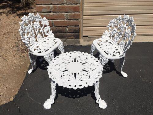 Garden Furniture - Vintage Cast Iron Grape Patio Garden Furniture Set 3 Pieces. PICK UP.