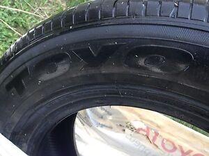 À donner Et à liquider bons pneus d'été à prix modique
