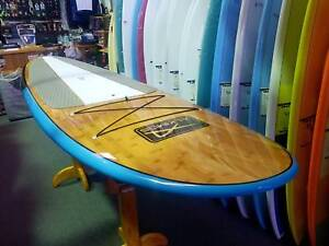 SUP Board  PLUS paddle.