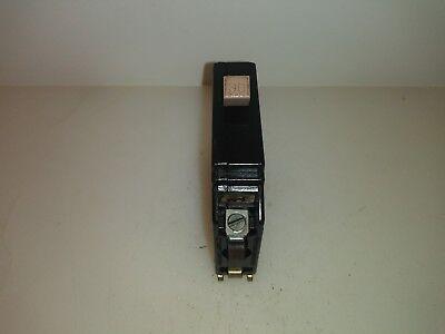 Cutler Hammer Ch130 30 Amp 1 Pole Circuit Breaker Metal Foot Type Ch