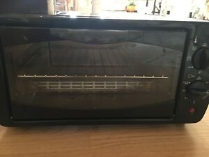Electric toaster oven 10$