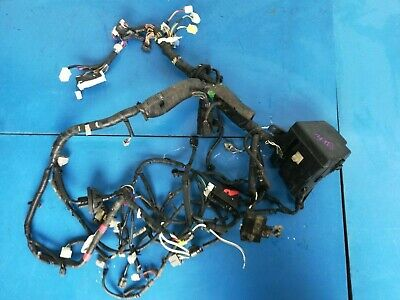Toyota Yaris MK2 1.4 d4d 2010 Under Bonnet Fuse Box Wiring Loom .398