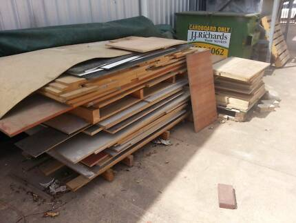OFF CUTS of Veneer Board and Colour Board Toowoomba 4350 Toowoomba City Preview