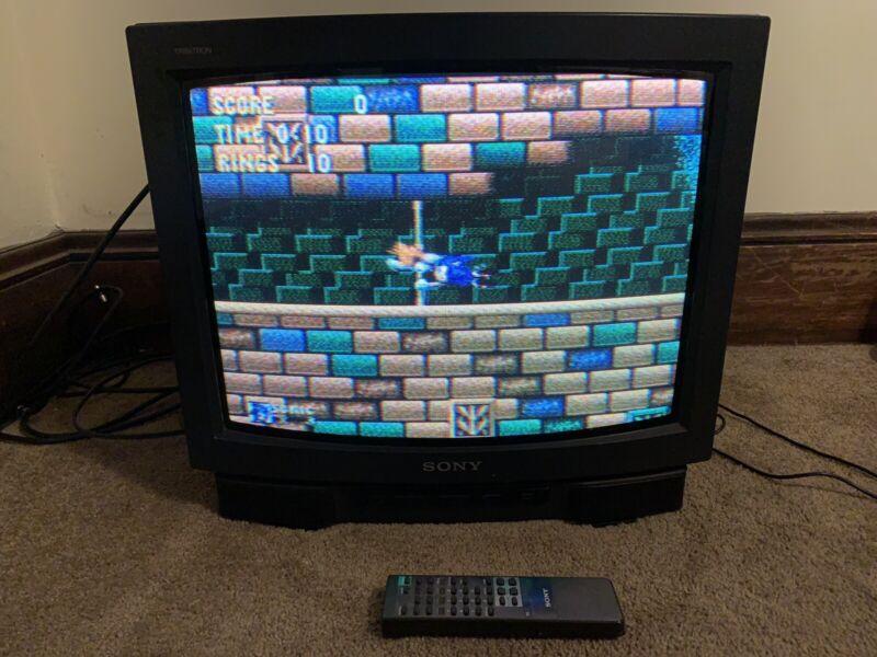 """Sony Trinitron KV-19TS20 19"""" CRT Television Retro Gaming"""